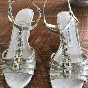 Beautiful golf sandals size 6